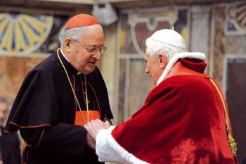 Benedetto XVI con il cardinale Sodano  il 20 dicembre 2010. Il cardinale Sodano, da cinquant'anni  al servizio della Santa Sede, è stato segretario di Stato dal 29 giugno 1991 al 2 aprile 2005, con Giovanni Paolo II, e dal 21 aprile 2005 al 15 settembre 2006 con l'attuale Pontefice [© Osservatore Romano]