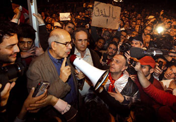 Il premio Nobel Mohamed El Baradei in piazza Tahrir il 30 gennaio 2011 [© Afp/Getty Images]