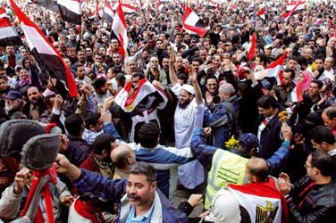 Manifestanti a piazza Tahrir, al Cairo <BR>[© Associated Press/LaPresse]