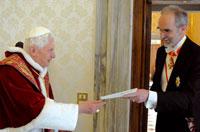 Benedetto XVI con Alfons M. Kloss [© Osservatore Romano]